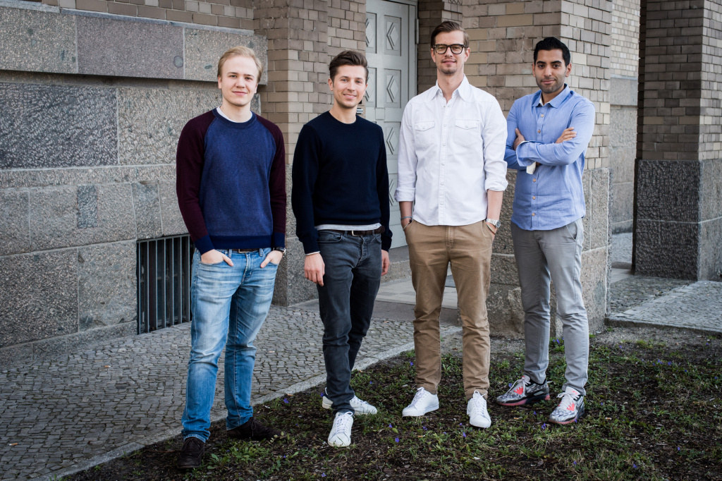 Von links nach rechts die vier Gründer: Maximilian Deilmann, Jens Urbaniak, Joko Winterscheidt und Navid Hadzaad ©Claudius Pflug