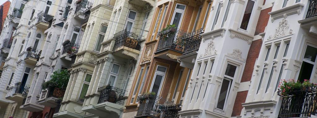 Asiaten kaufen massiv Immobilien in Deutschland Flensburg