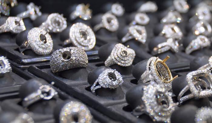 Globaler Markt für Luxusgüter stagniert