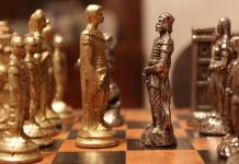 Saudi-Arabien verbietet Schach, weil es den Islam gefährdet