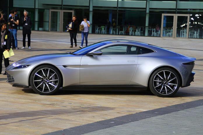 """Im letzten James-Bond-Film """"Spectre"""" fuhr Daniel Craig einen Aston Martin DB10. (Foto: flickr/ KeithJustKeith)"""