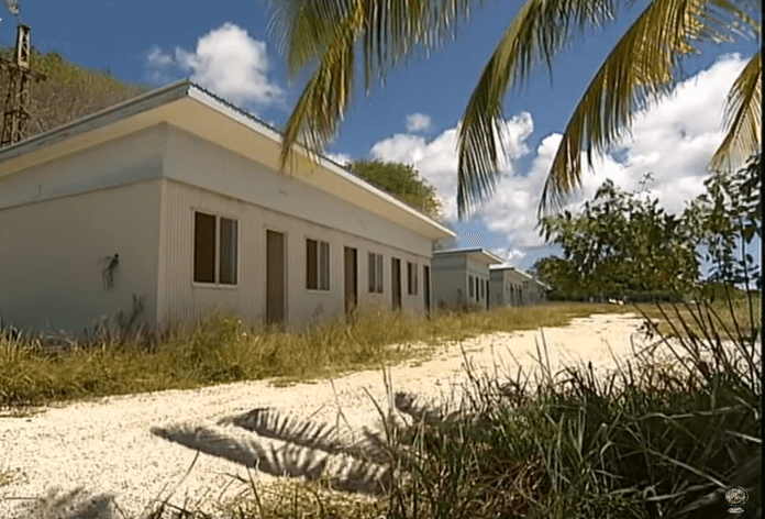 Australien bringt Flüchtlinge auf Insel unter. (Foto: Screenshot)