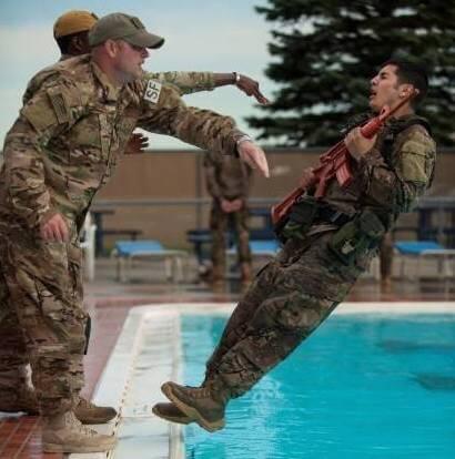 Die Elitesoldaten müssen sich einem harten Drill unterziehen (Foto: Facebook/Soldier of Fortune)