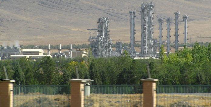 Der Schwerwasser-Reaktor bei Arak in Iran, hier eine Aufnahme vom Oktober 2012, diente zur Gewinnung von Atomwaffen-Plutonium (Foto: Wikipedia/Nanking2012-Eigenes Werk)