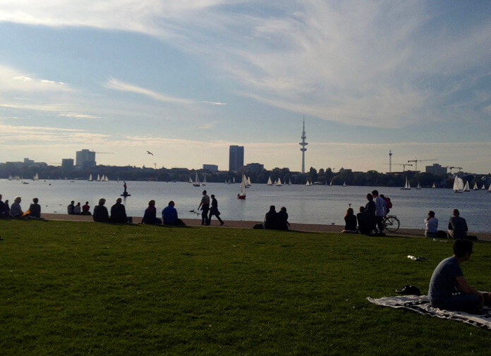 Grilling by the Alster Lake.