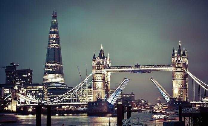 Mafia Experte sagt, dass Großbritannien das korrupteste Land der Welt ist (Foto: Sam valadi)