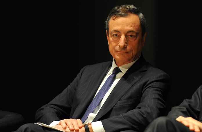 Mario Draghi Deutsche sollen in Aktien investieren