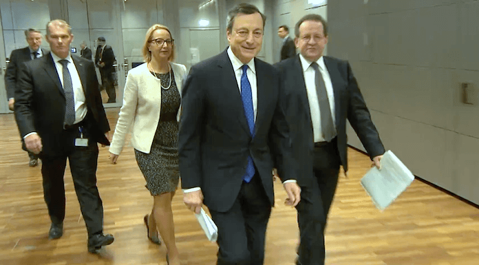EZB Mario Draghi Manager-Boni Deutsche Bank