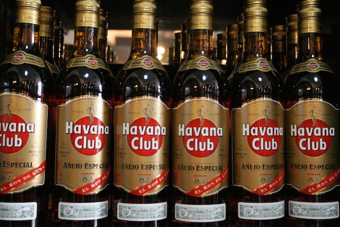 Kuba möchte 276 Millionen Dollar Schulden in Rum abbezahlen (Foto: Chris Brown)