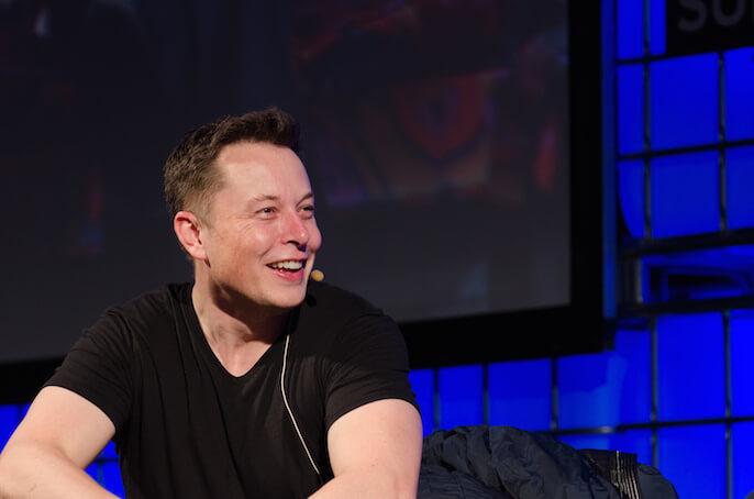 Elon Musk bezahlt die Reparatur für einen mutigen Tesla-Fahrer (Foto: Heisenberg Media)