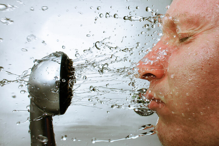 Wissenschaftlich bewiesen: Die tatsächlichen Vorteile der kalten Dusche (Foto: Petras Gagilas)